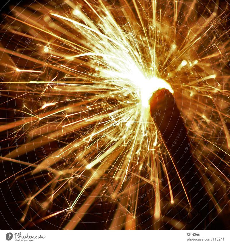 WunderKerze_08 Weihnachten & Advent weiß schwarz gelb dunkel hell Feste & Feiern glänzend Brand Geburtstag gold Feuer Stern (Symbol) Silvester u. Neujahr heiß