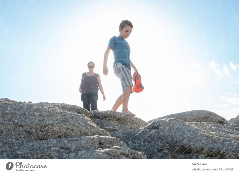 377 Mensch Himmel Kind Ferien & Urlaub & Reisen Jugendliche schön Sommer Junge Frau Sonne Meer Erwachsene Wärme Bewegung Junge Küste Freiheit