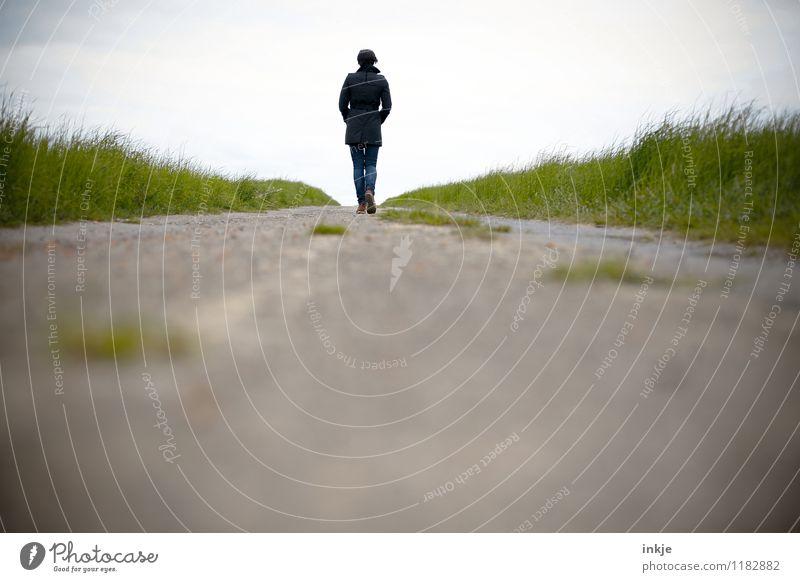 kein Stress, keine Termine Lifestyle Erholung ruhig Freizeit & Hobby Spaziergang Spazierweg Ferien & Urlaub & Reisen Ausflug Ferne Freiheit Frau Erwachsene