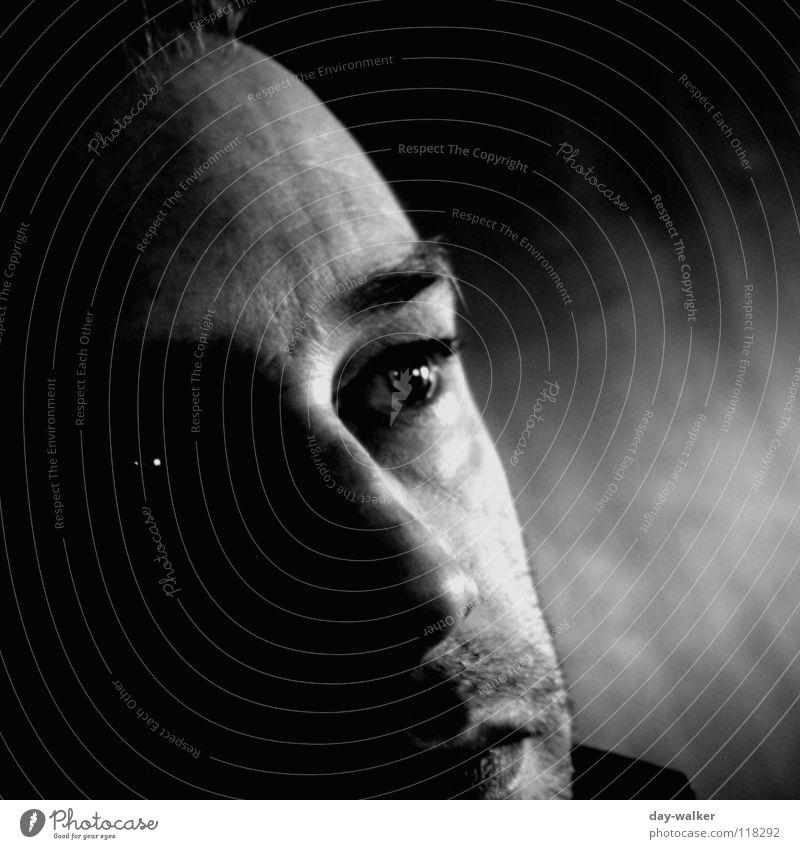 Düstere Zeiten Mann weiß Gesicht schwarz Auge dunkel Gefühle Haare & Frisuren träumen Denken Haut Bart Falte Gesichtsausdruck Stirn Stoppel