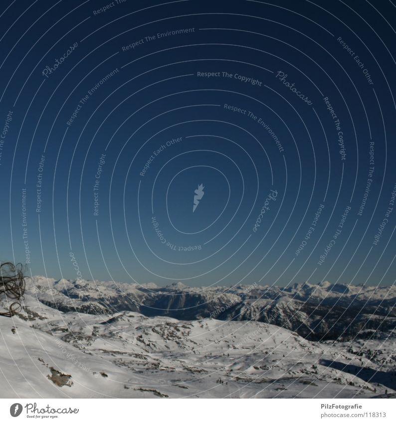 Haarige Angelegenheit Himmel blau schön weiß Landschaft Winter schwarz Berge u. Gebirge Schnee Felsen Wind Aussicht Schönes Wetter Skier Am Rand Gletscher