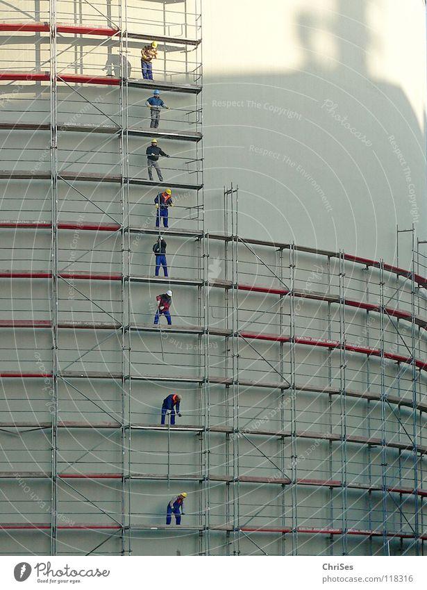 Men at work : Münster alter Kohlebunker_02 Wärme Holz grau Arbeit & Erwerbstätigkeit hoch Industrie Reinigen streichen Handwerk Teamwork bauen abwärts