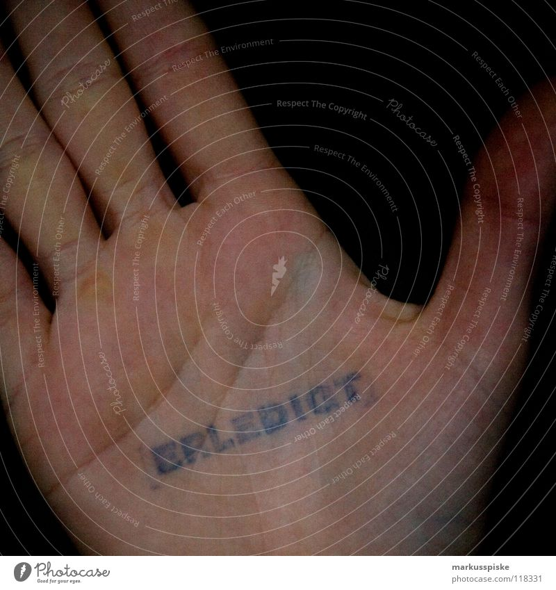 erledigt Symbole & Metaphern Information Schriftzeichen Typographie Hand Strukturen & Formen Finger Skelett Buchstaben motto Hinweisschild Stempel fertig Haut
