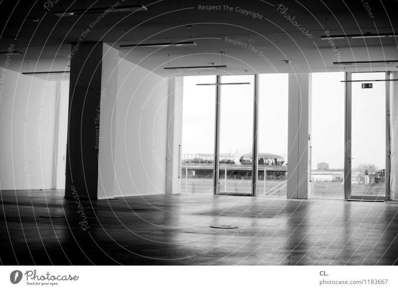 beste lage Häusliches Leben Wohnung Umzug (Wohnungswechsel) Raum Düsseldorf Stadt Haus Gebäude Architektur Mauer Wand Fenster Reichtum Schwarzweißfoto