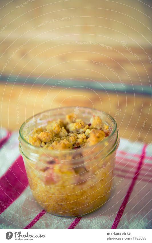 rhabarber-streussel muffin im glas Stadt Gesunde Ernährung Essen Feste & Feiern Lebensmittel Wohnung Freizeit & Hobby Häusliches Leben elegant genießen süß