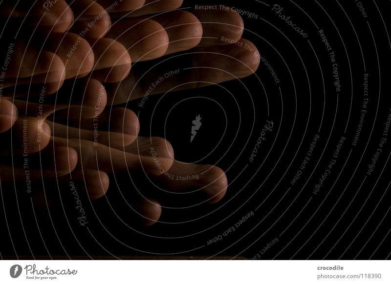 zauberei 1 Hand Finger durchsichtig dunkel Nacht einzigartig Frieden Makroaufnahme Nahaufnahme Bewegung abstrakt gruslig stroboskop blitz deunkelheit