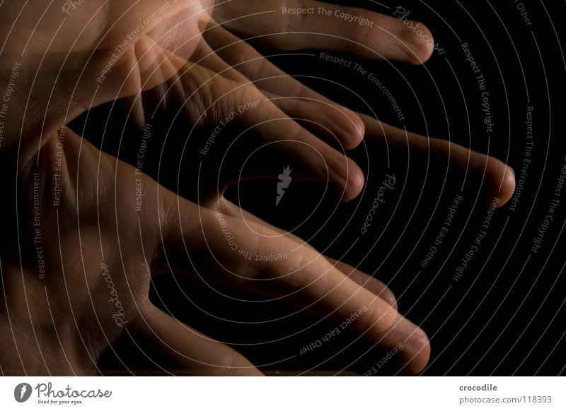 zauberei 3 Hand Finger durchsichtig dunkel Nacht einzigartig hau Bewegung abstrakt gruslig stroboskop blitz deunkelheit fingerspitz singerabdruck spukhaft