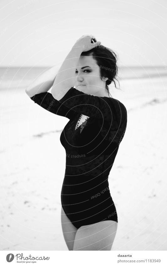 Erholung Freude Strand Wärme Leben Gefühle feminin Stil Stimmung Lifestyle Sand Freizeit & Hobby wild elegant authentisch Fröhlichkeit
