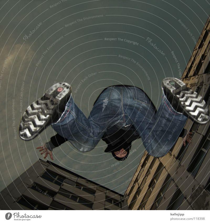 plattenflug Mensch Himmel Mann Hand Stadt Haus Berge u. Gebirge Gefühle Architektur springen See Luft Lampe Fassade Freizeit & Hobby fliegen