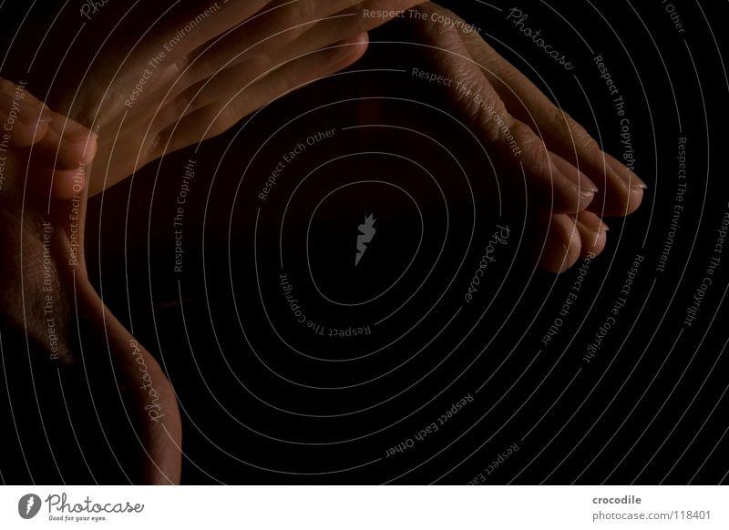 zauberei 6 Hand dunkel Bewegung Finger einzigartig durchsichtig spukhaft