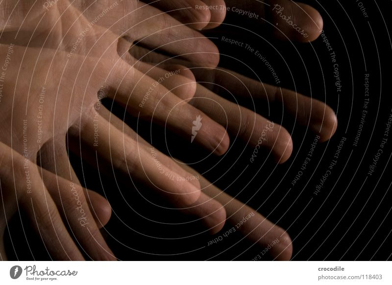 zauberei 7 Hand dunkel Bewegung Finger einzigartig durchsichtig winken spukhaft