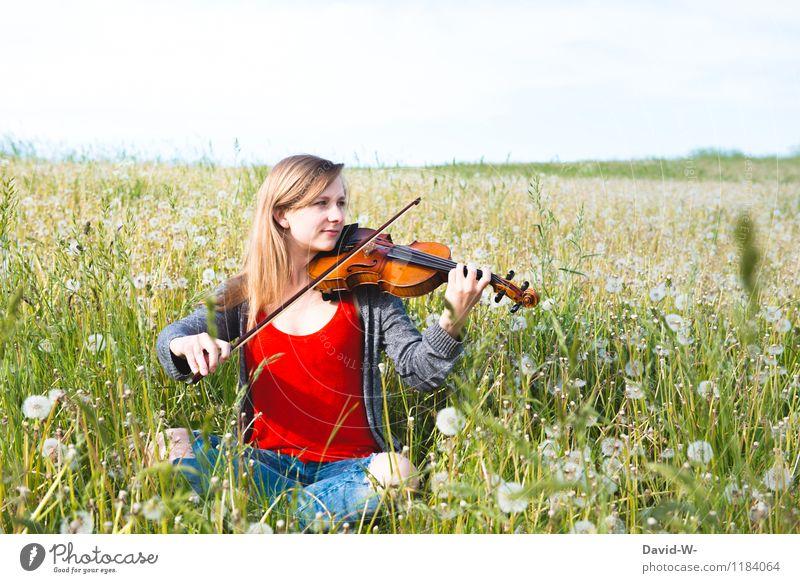 Harmonie der Klänge Mensch Natur Jugendliche schön Sommer Junge Frau Sonne ruhig Freude Mädchen Gefühle natürlich feminin Kunst Freizeit & Hobby elegant
