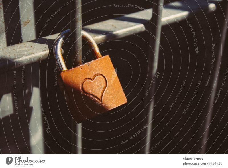 Schattenherz dunkel Traurigkeit Liebe Gefühle Glück Metall Zusammensein Herz Zeichen Romantik Sehnsucht Leidenschaft Schloss Trennung Liebeskummer Treue