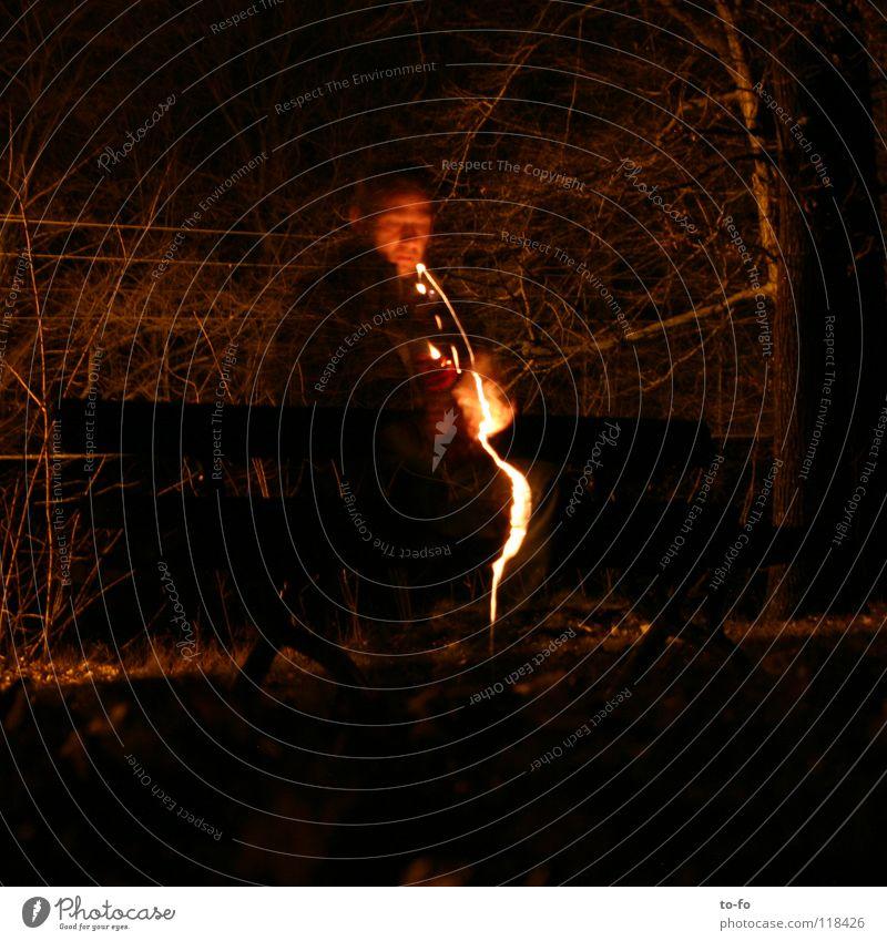 Blitz Licht Blitze Nacht dunkel Mann Langzeitbelichtung Garten Park Brand Aussehen Abend Bank Lampe