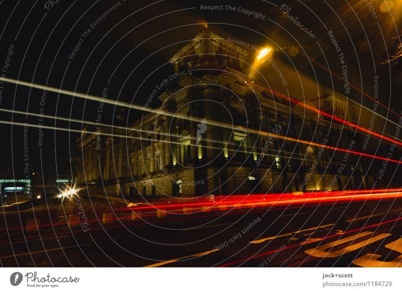 10-Minuten-Takt bei Nacht Stadt Winter dunkel Wege & Pfade Zeit leuchten Schriftzeichen groß Geschwindigkeit historisch Hauptstadt lang Verkehrswege Stadtzentrum Sehenswürdigkeit Mobilität