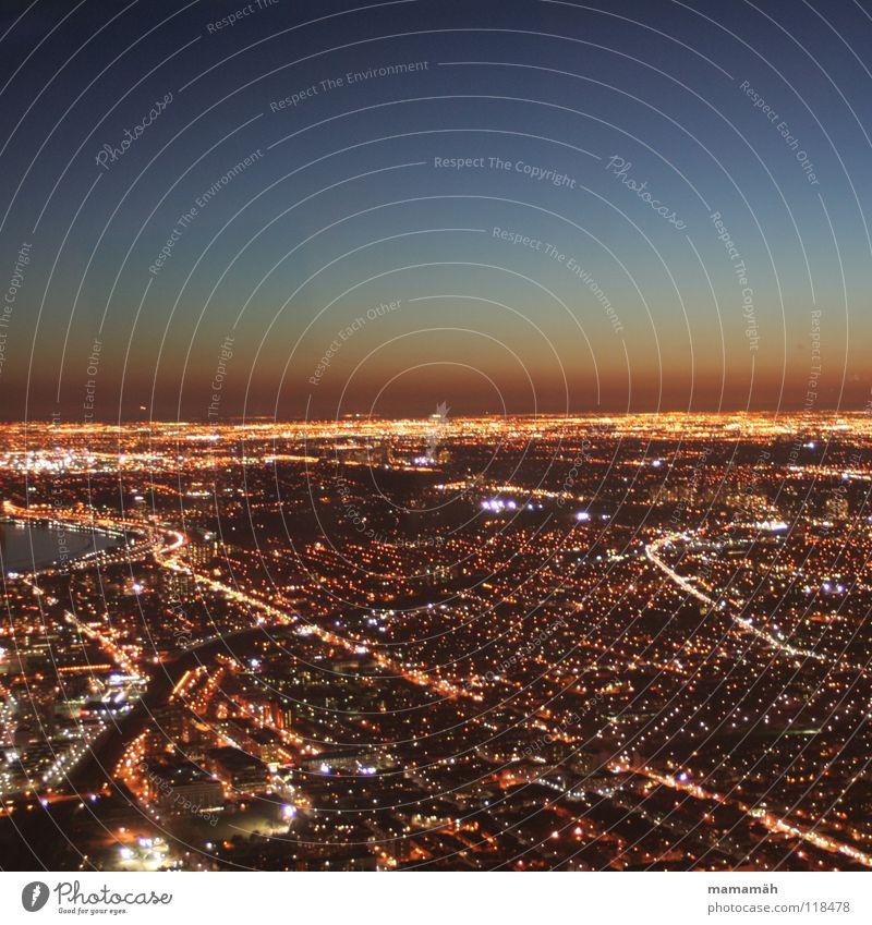 Toronto bei Nacht! Teil 1 Kanada Stadt dunkel Licht Straßenbeleuchtung See Haus Hochhaus Sonnenuntergang Horizont Scheinwerfer CN Tower Fernsehturm