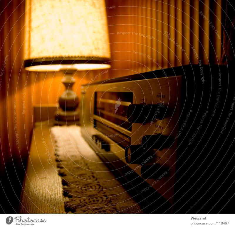 Vorgestern Stil Stimmung Lampe retro Idylle Hotel Möbel Radio Decke harmonisch Fragen Begrüßung altehrwürdig früher Achtziger Jahre Sender