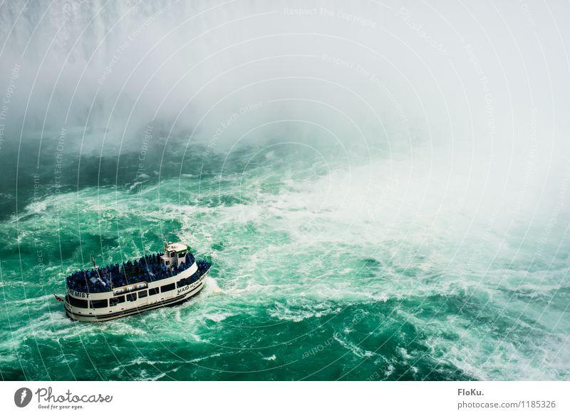 Oh, hier gehts ja gar nicht weiter... Natur Ferien & Urlaub & Reisen blau Wasser Umwelt außergewöhnlich Tourismus Wellen Wassertropfen Ausflug nass bedrohlich