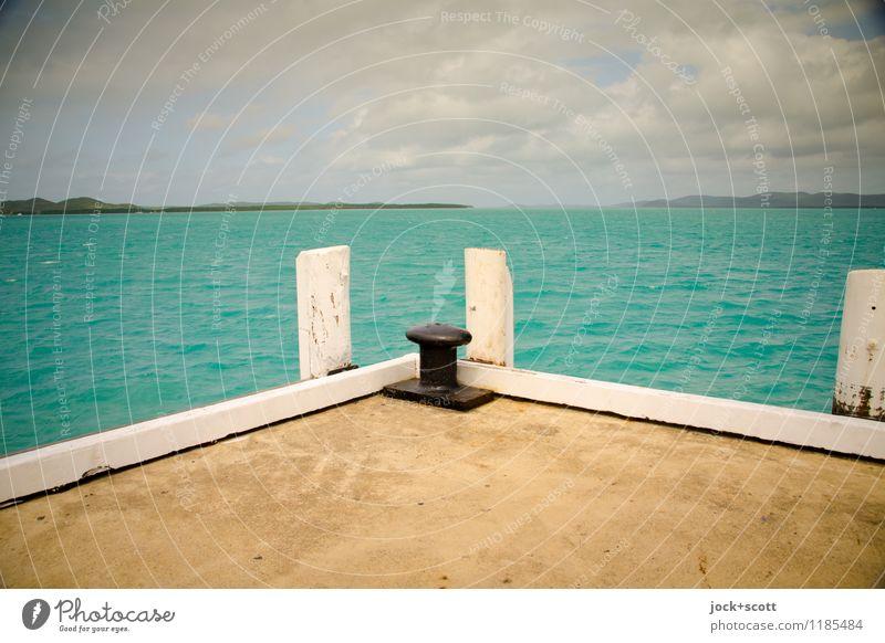 dockside Wasser Meer Wolken Ferne Umwelt Wärme Wege & Pfade Freiheit Horizont Zufriedenheit authentisch frei Beginn Schönes Wetter Unendlichkeit Ziel