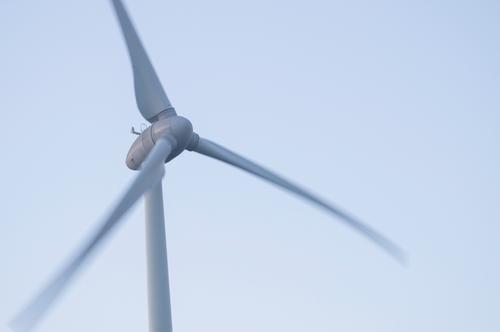 Wind Himmel blau Bewegung grau Energiewirtschaft Luft Technik & Technologie Klima Elektrizität Zukunft Politische Bewegungen Urelemente Windkraftanlage