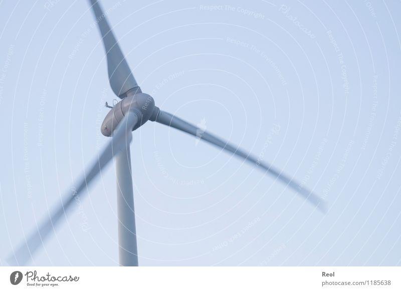 Wind Technik & Technologie Fortschritt Zukunft Energiewirtschaft Erneuerbare Energie Windkraftanlage Urelemente Luft Himmel Wolkenloser Himmel blau grau Klima