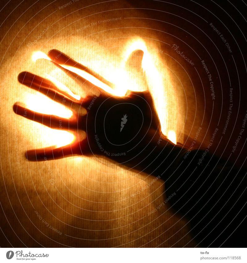 Hand Licht Gegenlicht Zauberei u. Magie brennen abstrakt Langzeitbelichtung Angst Panik Kunst Kultur Bewegung Geister u. Gespenster fangen Brand