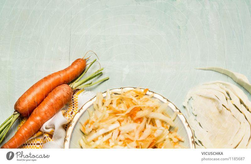 Vegetarische Ernährung - Weißkohlsalat Lebensmittel Gemüse Salat Salatbeilage Mittagessen Bioprodukte Diät Teller Stil Design Gesunde Ernährung Sommer