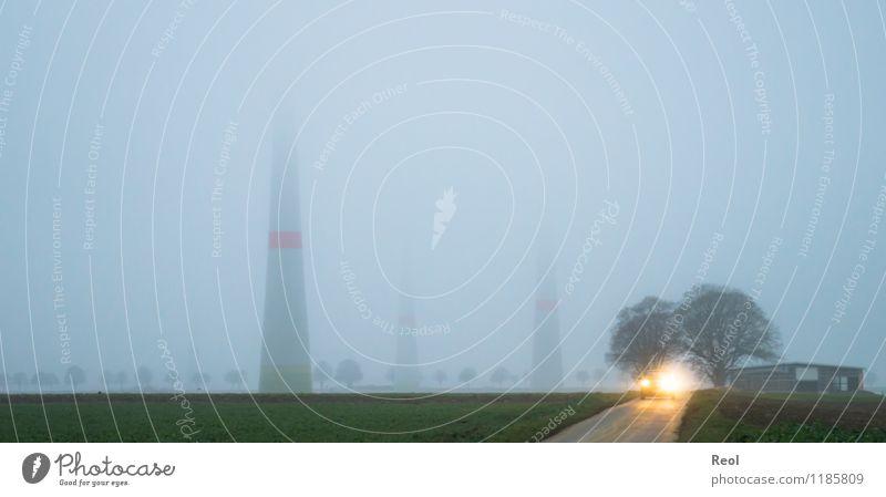 Wolkenkratzer Technik & Technologie Energiewirtschaft Erneuerbare Energie Windkraftanlage Umwelt Herbst Klima Wetter schlechtes Wetter Feld dunkel groß hoch