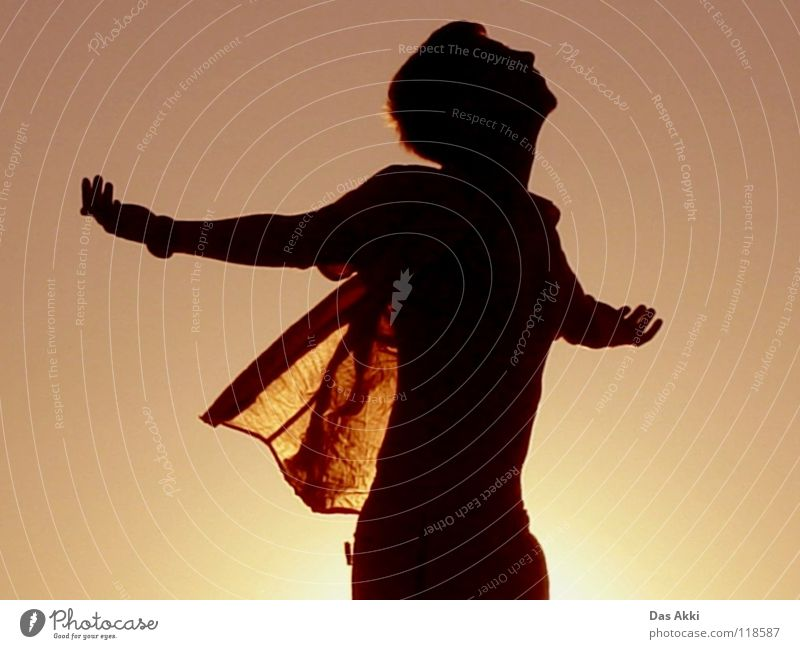Schau mal Wer da guck Sonnenaufgang Horizont Sommer Physik Feld rot weiß schwarz Porträt Himmel Vertrauen Freude sunrise Flügel Landschaft Wärme beautiful