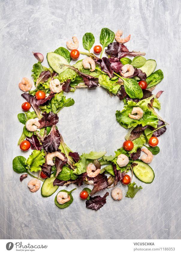 Bunter Salat mit Tomaten und Shrimps Gesunde Ernährung Leben Stil Speise Essen Hintergrundbild Foodfotografie Lebensmittel Design frisch Ernährung Lebensfreude Gemüse Bioprodukte Top Diät