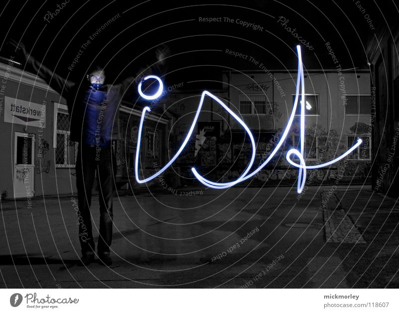 was ist zeit 2 Mensch blau Lampe Leben Bewegung Zeit schreiben Belichtung Rock `n` Roll Taschenlampe Schlachthof Wels