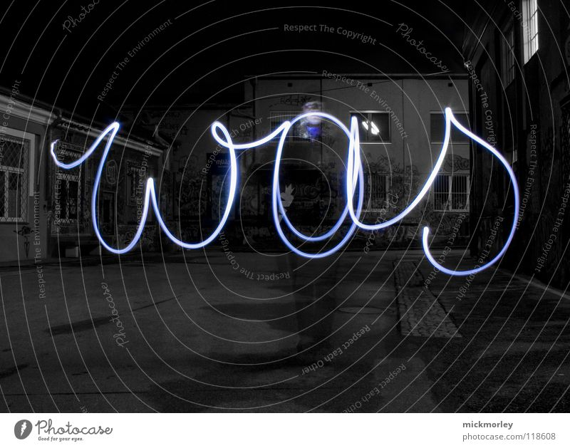 was ist zeit 3 Mensch blau Fragen Lampe Leben Bewegung Zeit schreiben Belichtung Rock `n` Roll Taschenlampe Schlachthof Wels