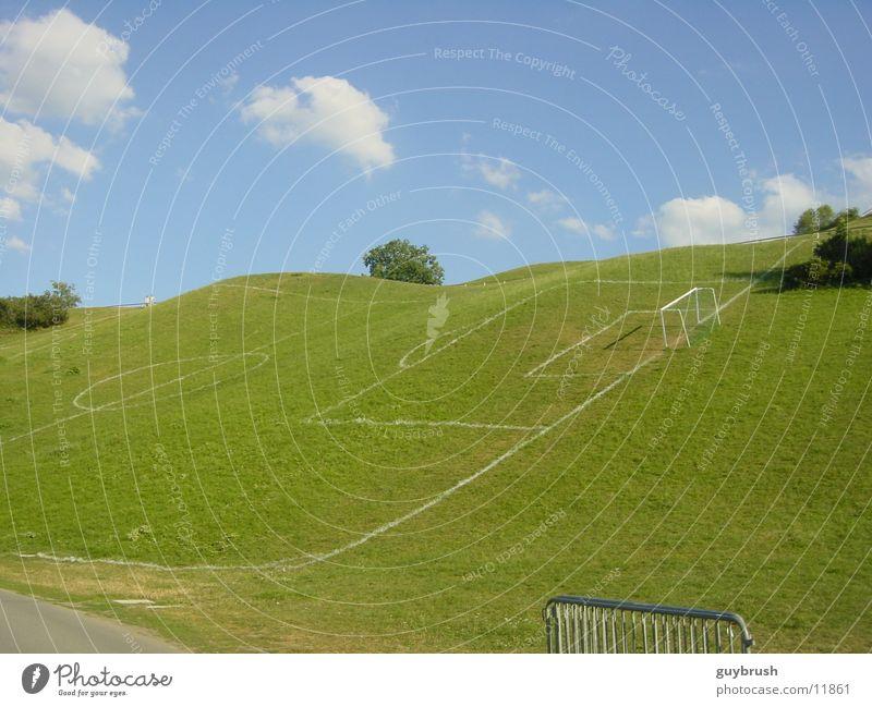 skewball Himmel Fußball Feld verrückt Hügel