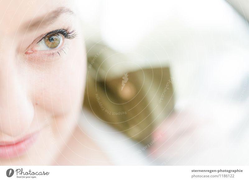 Blickdings Gesicht Wimperntusche Lächeln Freude Glück Zufriedenheit Lebensfreude Optimismus Erfolg Kraft Liebe Verliebtheit schön Sehnsucht Auge grün