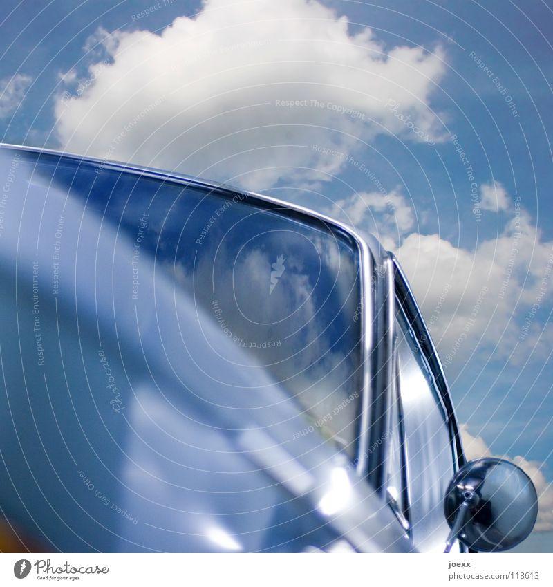 Ausflug Abstellplatz Rückspiegel Fahrzeugbau Autopflege Straßenverkehr alt Chrom Fenster Windschutzscheibe himmelblau Kotflügel Oldtimer PKW Sanieren Spiegel