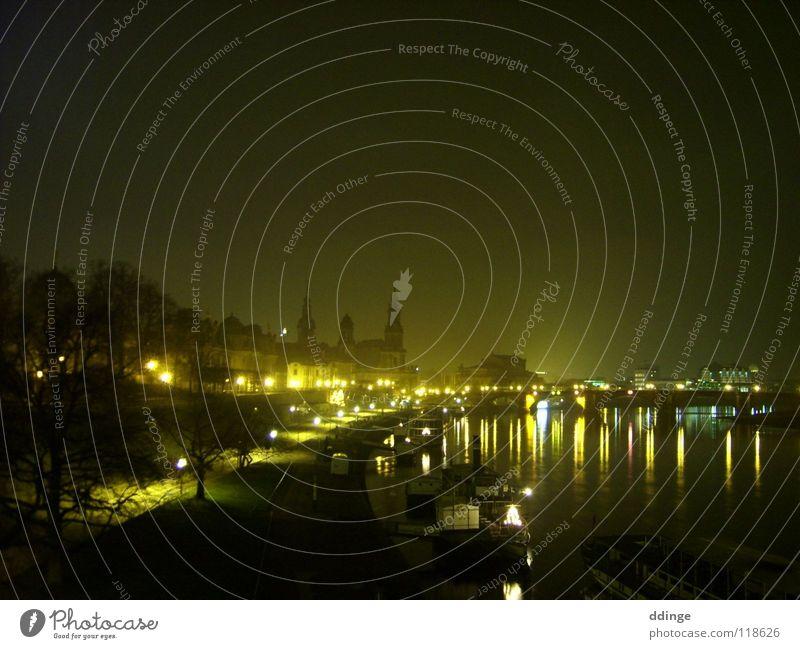 Dresden Night Nacht Wasserfahrzeug Semperoper Terassenufer Brücke Elbe