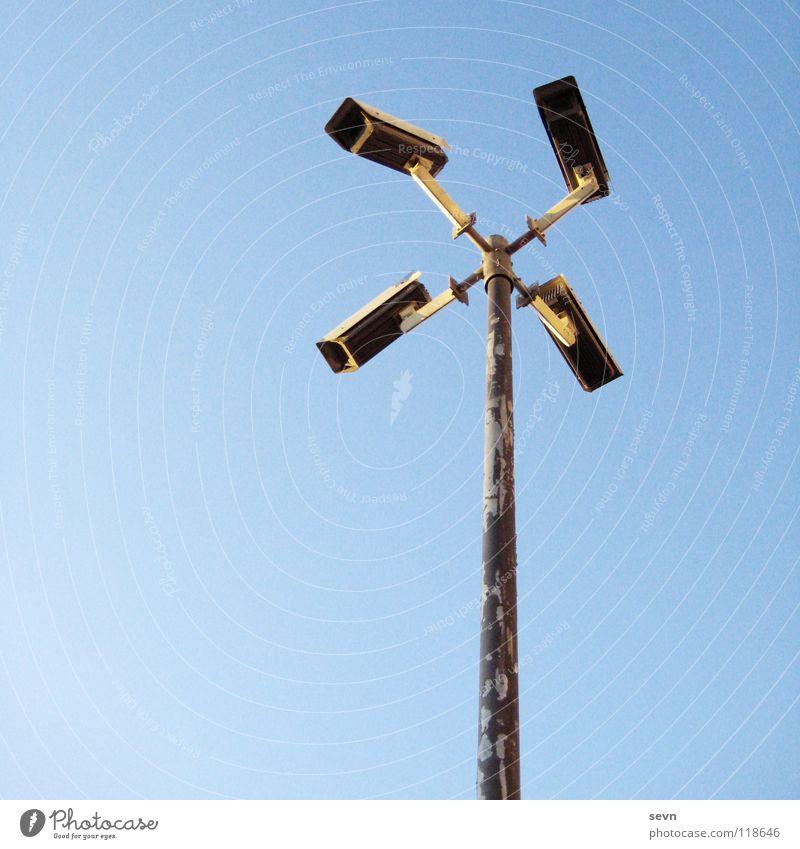Big Brother Sicherheit Macht gefährlich Fotokamera Medien Video Überwachung senden Überwachungsstaat