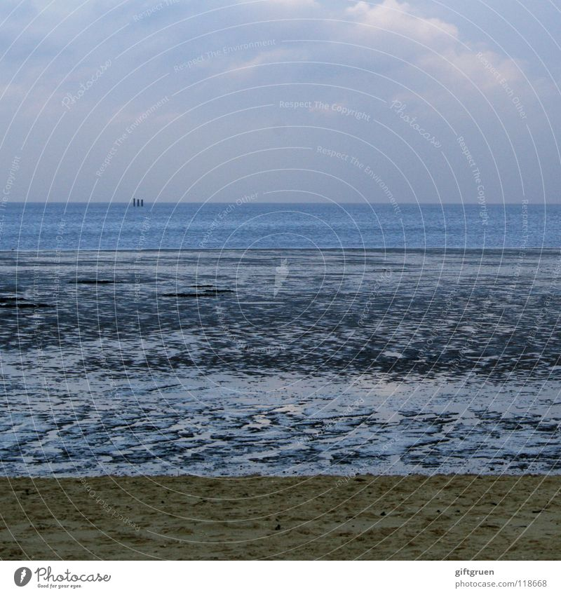 ende der badesaison II Natur Wasser Himmel Meer Winter Strand Wolken Einsamkeit Ferne dunkel kalt Sand Landschaft Wasserfahrzeug Küste Wellen