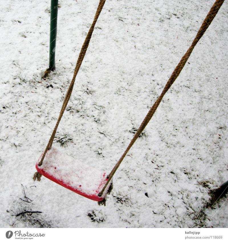 eisprinzessin Winter Schaukel kalt Spielplatz rosa magenta Spielen leer Eis Schnee Kristallstrukturen Frost snow Einsamkeit fun Freude play playground Flügel