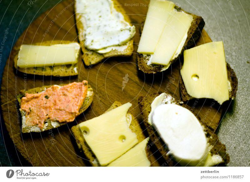 Sieben Schnittchen Gesunde Ernährung Speise Essen Foodfotografie rund Brot Abendessen Vegetarische Ernährung Schneidebrett Rest Käse Büffet Belegtes Brot Imbiss