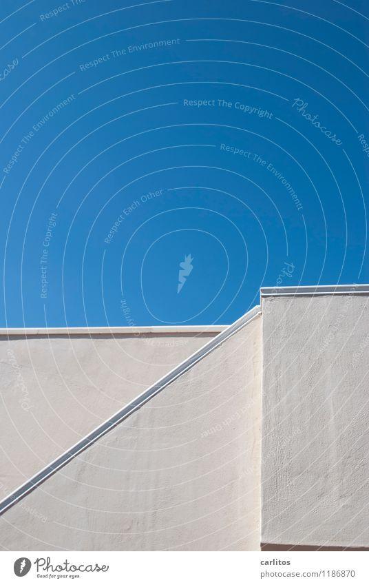 Weißblaue Geschichten weiß Himmel Architektur Treppengeländer Dachterrasse diagonal Neigung Mauer Wand Ferienhaus Ferien & Urlaub & Reisen mediterran Mallorca