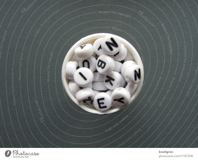 Tagesdosis weiß schwarz Gefühle grau Gesundheitswesen Schriftzeichen Kommunizieren rund