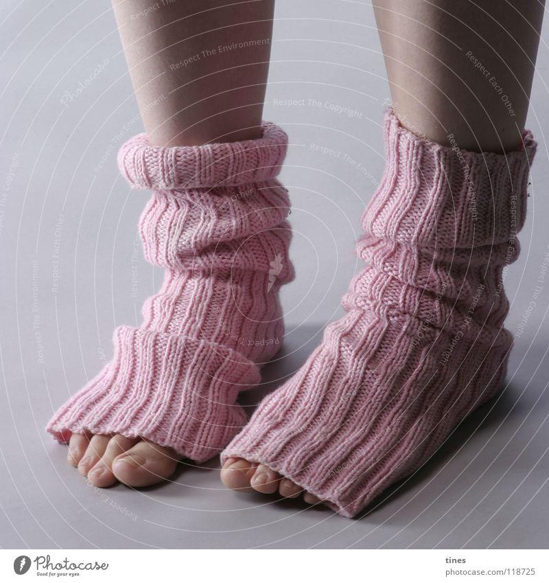 Neugierig, was? Schuhe Strümpfe Stulpe rosa Zehen Pastellton Falte Langeweile schön Fuß spickeln gerippt Fußschal Loch Barfuß