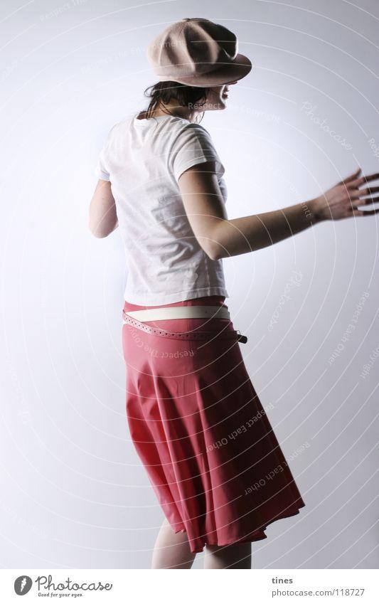 So ein Schwindel! Frau schön Zufriedenheit Tanzen Hut drehen durcheinander Schwindelgefühl