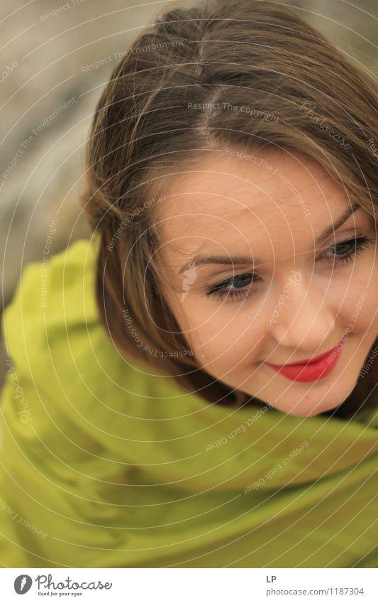 Mensch Jugendliche schön Junge Frau Erholung ruhig Freude Gesicht Leben feminin Stil Haare & Frisuren Kopf Mode Lifestyle Zufriedenheit