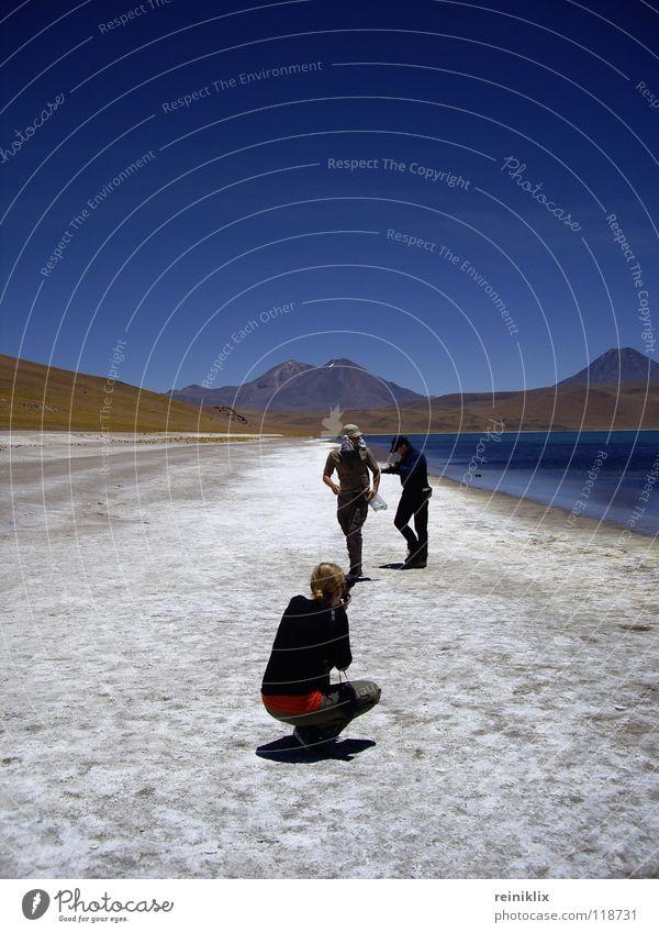 In den Anden Mensch Sommer Ferien & Urlaub & Reisen Vulkan Chile Südamerika Gebirgssee