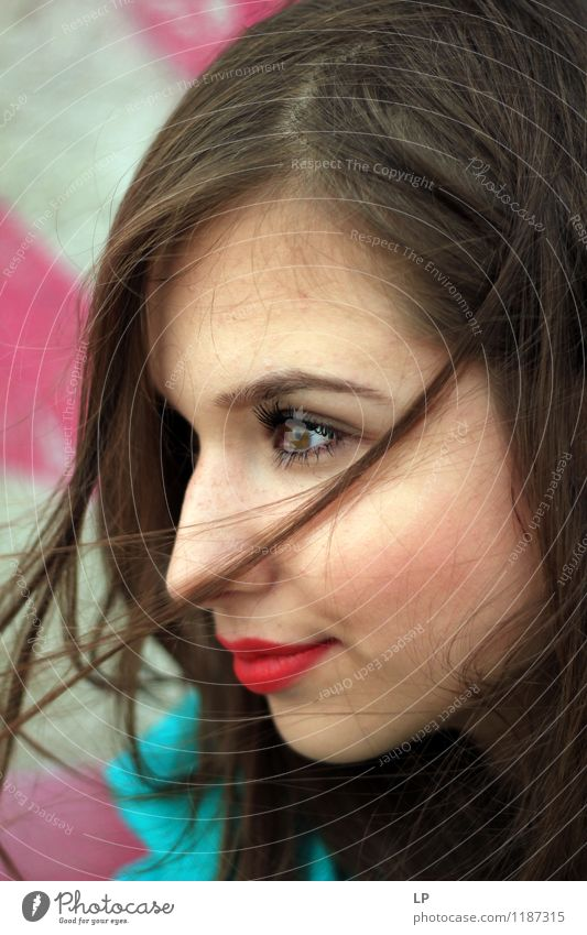 Jugendliche schön Junge Frau ruhig Freude Gesicht feminin Stil Haare & Frisuren Lifestyle Zufriedenheit frisch elegant Kraft Fröhlichkeit Haut