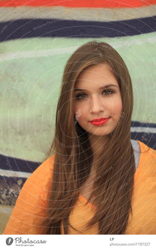 Jugendliche schön Erholung ruhig Freude Gesicht Leben feminin Haare & Frisuren Mode Lifestyle Zufriedenheit Körper Fröhlichkeit Haut Bekleidung
