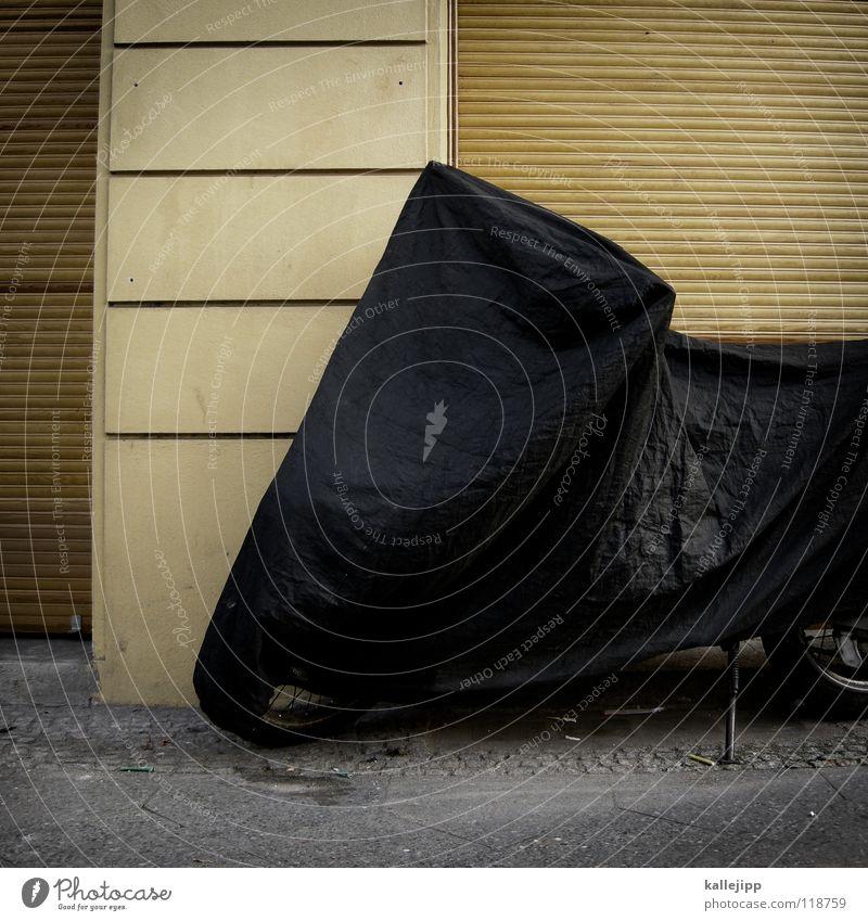 winterschlaf II Elefant Umhang Tunnel Einfahrt Haus dunkel Abdeckung Rostschutzfarbe Backstein Ständer Garage verrotten überwintern schlafen Gebrauchtwagen