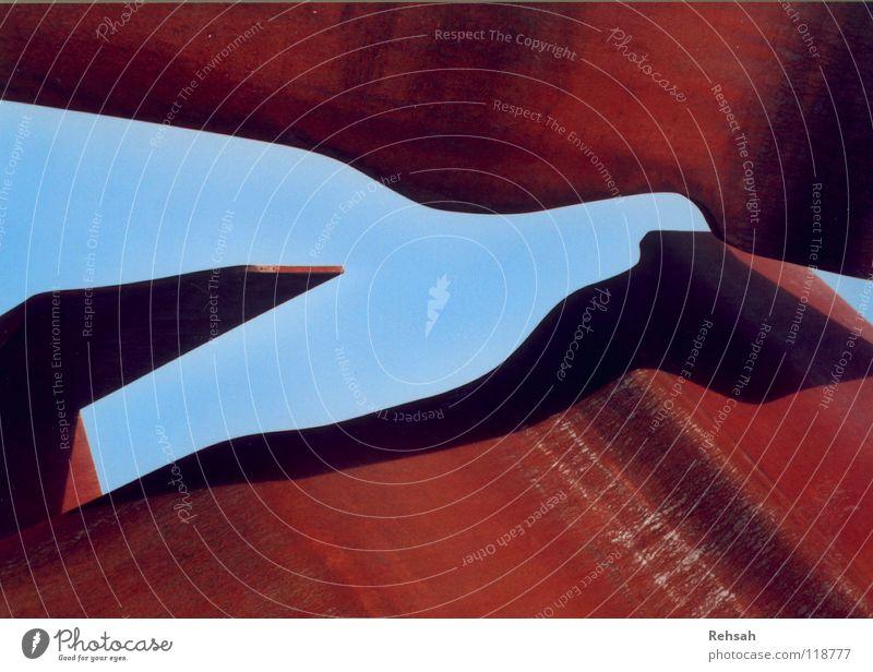 Blick ins Blaue Natur schön alt Himmel blau rot dunkel kalt Linie hell Metall Wellen Kunst neu Technik & Technologie rund